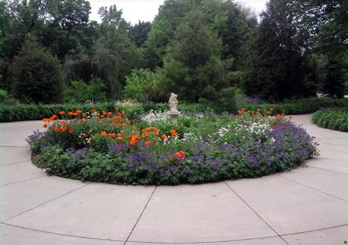 Circle Flower Garden by Creative Touch Landscape